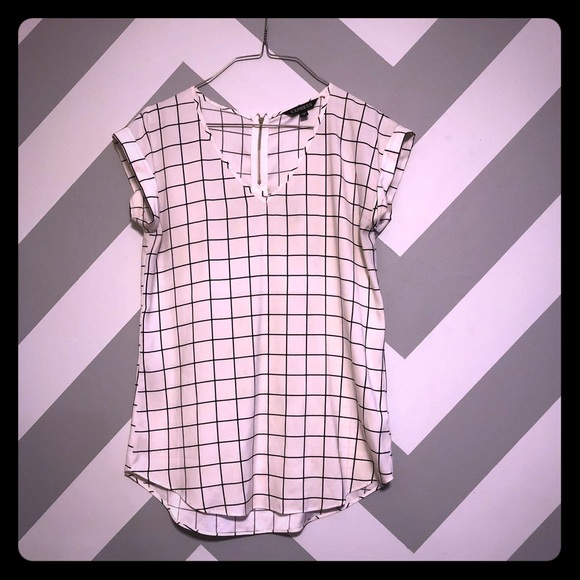 Express Tops - ➡️JUST ADDED⬅️ Express Black & White Checkered Top